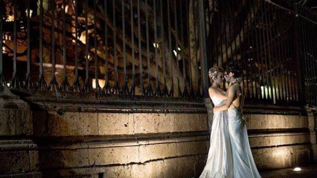 Parejas del mismo sexo fotografiadas en iglesias de Morelia
